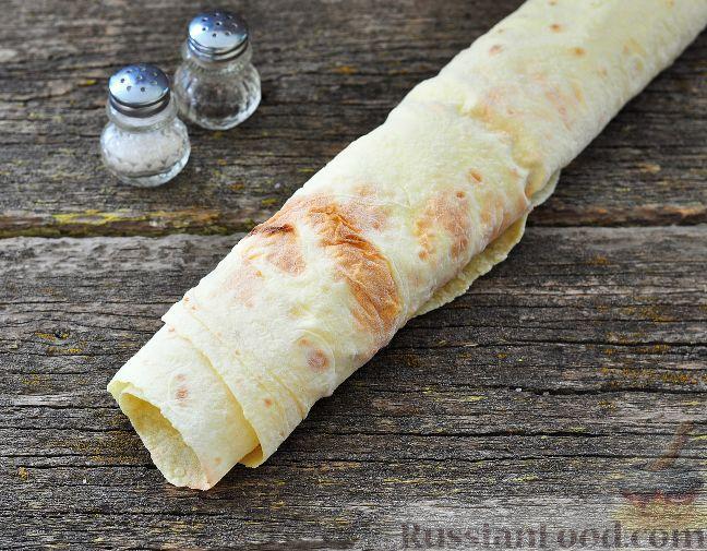 Фото приготовления рецепта: Ленивые ватрушки в хлебе - шаг №2