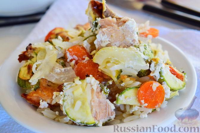 Фото приготовления рецепта: Капуста, тушенная с мясом, грибами и айвой - шаг №3