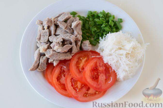 """Фото приготовления рецепта: Японский салат """"Сябу-сябу"""" со свининой - шаг №8"""