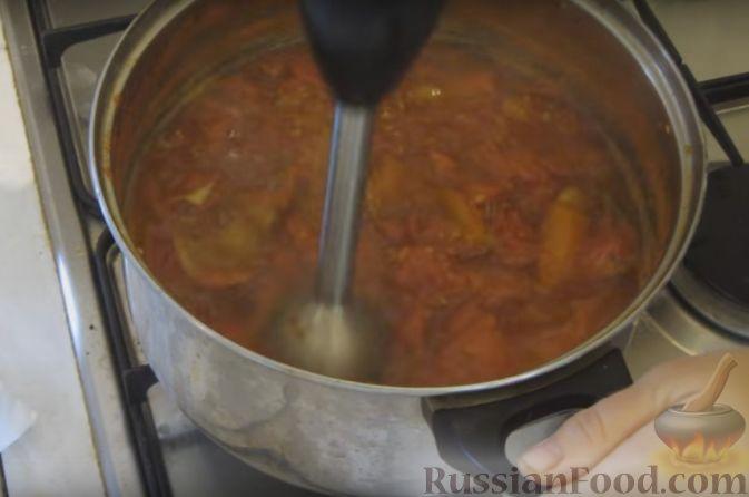 Фото приготовления рецепта: Острый томатный суп с говядиной и консервированной фасолью - шаг №7