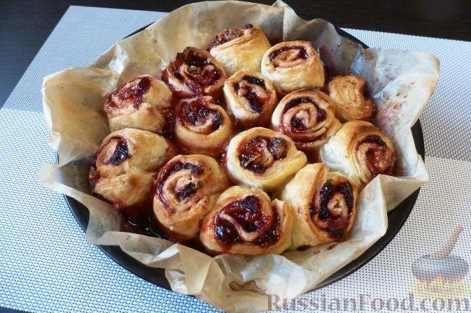 Фото приготовления рецепта: Пирог с клюквой - шаг №10