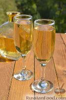 Фото к рецепту: Белое полусладкое вино