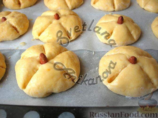 Фото приготовления рецепта: Булочки-тыковки - шаг №5