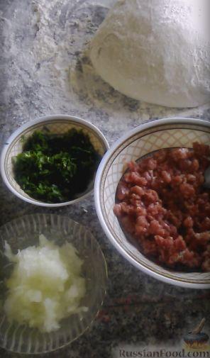 Фото приготовления рецепта: Свекольные оладьи с творогом и яблоком - шаг №3