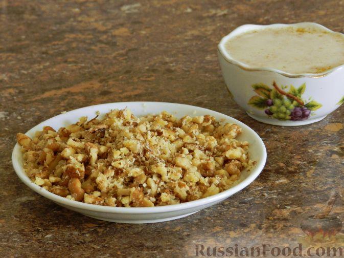 Фото приготовления рецепта: Печенье с орехами и джемом - шаг №3