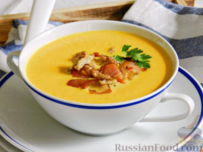 Фото приготовления рецепта: Суп-пюре из тыквы, с беконом и орехами - шаг №14