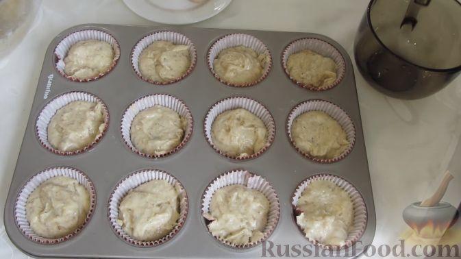 Фото приготовления рецепта: Рагу с картофелем, фасолью и тефтелями, тушенными с грибами и вином - шаг №14
