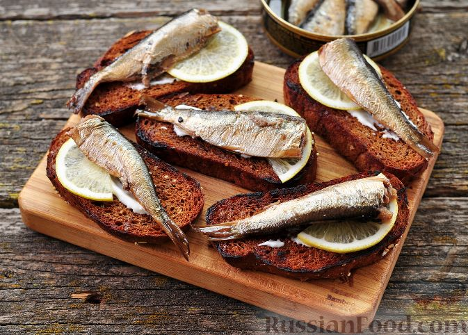 Фото приготовления рецепта: Ленивые ватрушки в хлебе - шаг №3