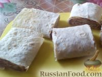 Фото приготовления рецепта: Быстрые пирожки из лаваша с мясом - шаг №7