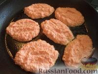Фото приготовления рецепта: Морковные оладьи с манкой и яблоком - шаг №4