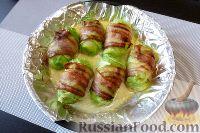 Фото приготовления рецепта: Голубцы из пекинской капусты, с картофелем и беконом - шаг №11