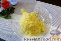 Фото приготовления рецепта: Голубцы из пекинской капусты, с картофелем и беконом - шаг №2