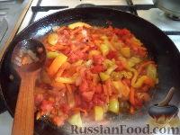 Фото приготовления рецепта: Тефтели с рисом и овощным соусом - шаг №12