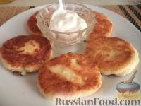 Фото к рецепту: Сырники с адыгейским сыром