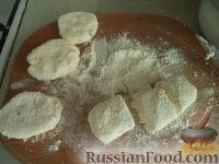 Фото приготовления рецепта: Сырники с адыгейским сыром - шаг №4