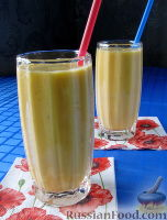 Фото к рецепту: Молочный коктейль с тыквой и яблоком