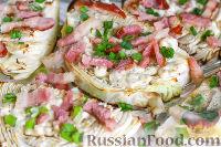 Фото к рецепту: Запеченная капуста с сырным соусом и беконом