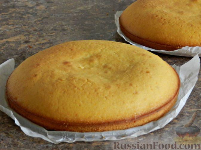 Фото приготовления рецепта: Тыквенный торт со взбитыми сливками - шаг №11