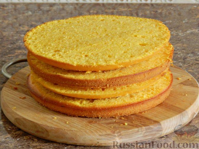 Фото приготовления рецепта: Тыквенный торт со взбитыми сливками - шаг №12