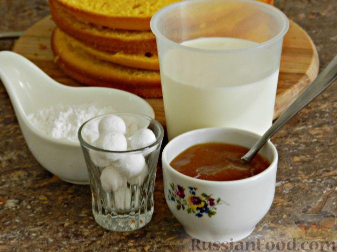 Фото приготовления рецепта: Тыквенный торт со взбитыми сливками - шаг №13
