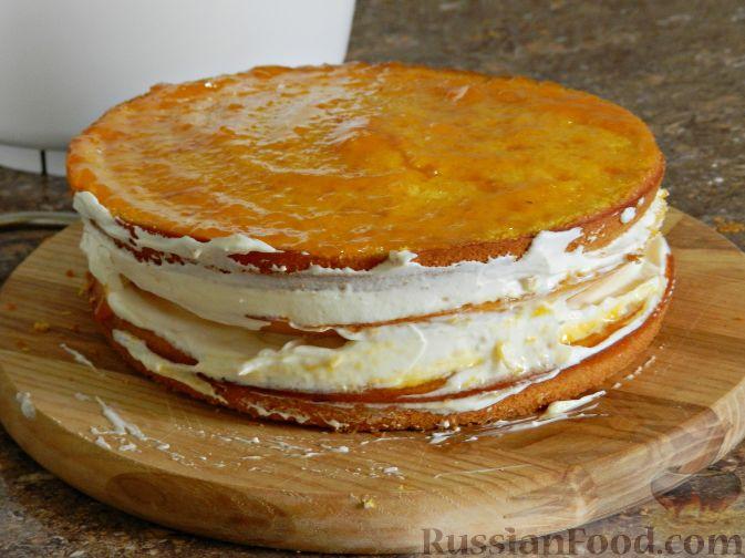 Фото приготовления рецепта: Тыквенный торт со взбитыми сливками - шаг №18