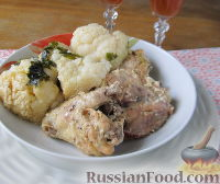 Фото к рецепту: Томлёная курица с цветной капустой