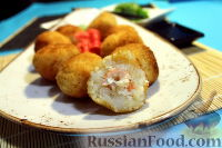 Фото к рецепту: Рисовые шарики с креветками и творожным сыром