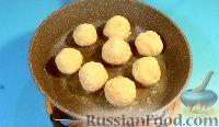 Фото приготовления рецепта: Рисовые шарики с креветками и творожным сыром - шаг №5