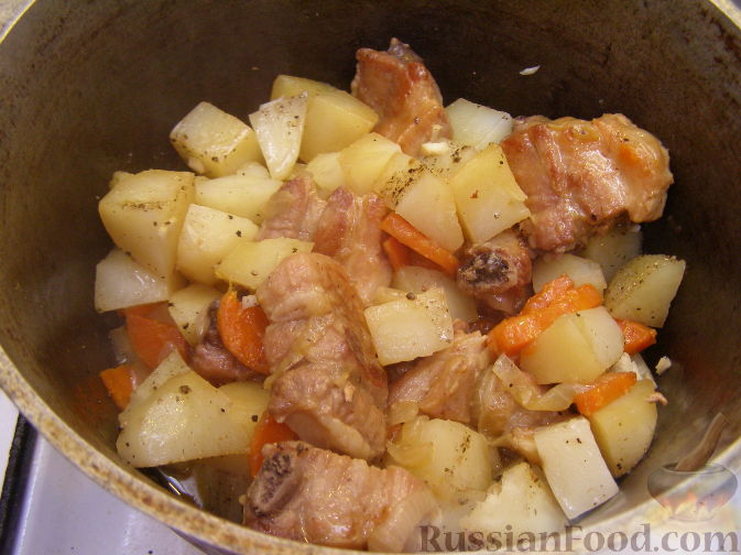 тушеные свиные ребрышки с картошкой рецепт с фото