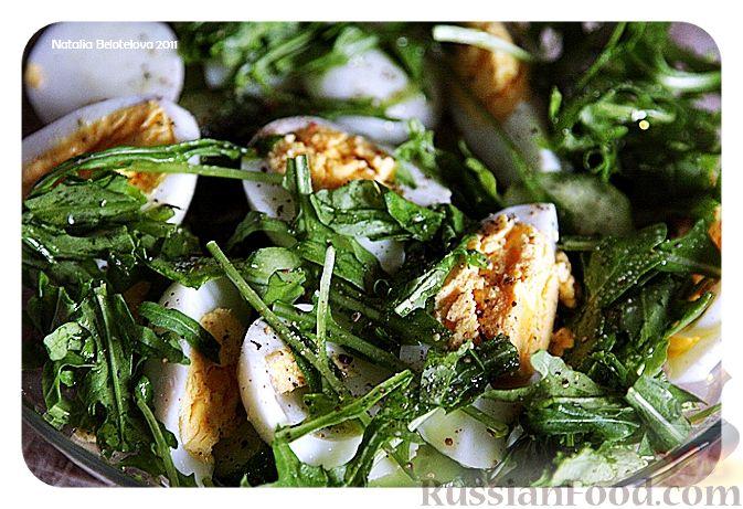 Рецепт Салат с малосольными огурцами и яйцом