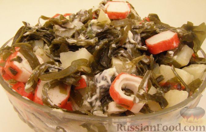 Рецепт Салат из морской капусты с картофелем и крабовыми палочками