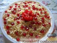 Фото к рецепту: Салат сырный слоеный