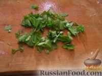 Фото приготовления рецепта: Макароны с грибами, ветчиной и помидорами под сыром - шаг №6