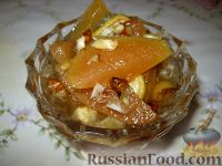 Фото к рецепту: Варенье из айвы с орехами и лимоном