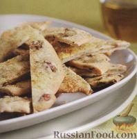 Фото к рецепту: Плоский пряный хлеб с оливками