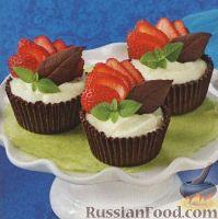 Фото к рецепту: Сливочный десерт в шоколадных корзинках
