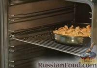 "Фото приготовления рецепта: Курица ""Амананан"" (в ананасовом маринаде, с луком, аджикой и сливками) - шаг №7"