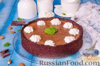Фото к рецепту: Шоколадный пирог с вишней