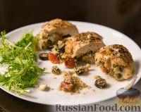 Фото к рецепту: Куриное филе, фаршированное пшеничной крупой, сыром и помидорами