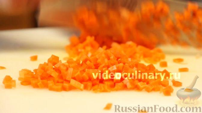 Фото приготовления рецепта: Диетический салат из киноа - шаг №4