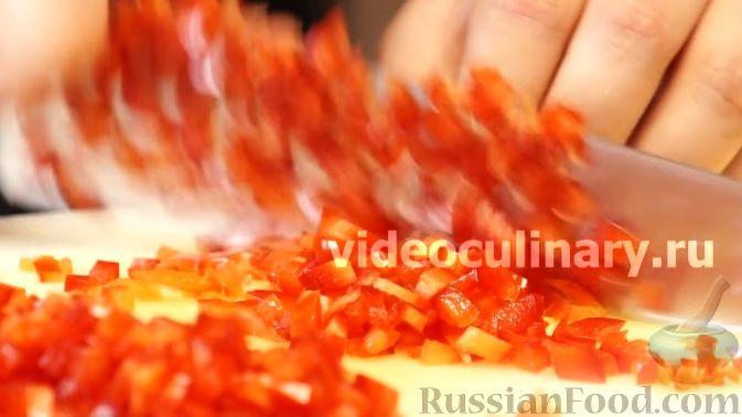 Фото приготовления рецепта: Диетический салат из киноа - шаг №5