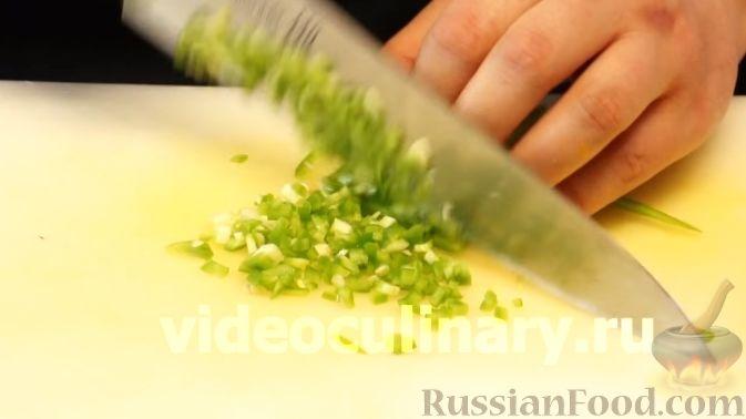 Фото приготовления рецепта: Диетический салат из киноа - шаг №7