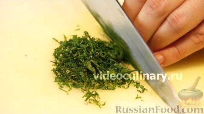 Фото приготовления рецепта: Диетический салат из киноа - шаг №9