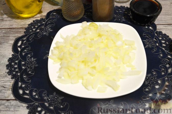 Фото приготовления рецепта: Оладьи из творога и свеклы - шаг №11