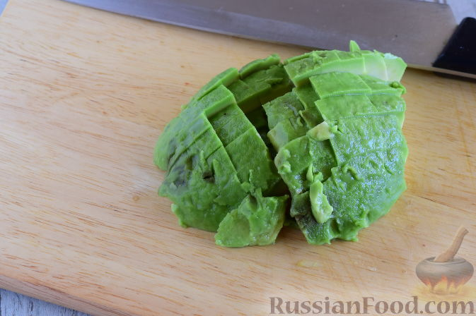Салат кость с авокадо