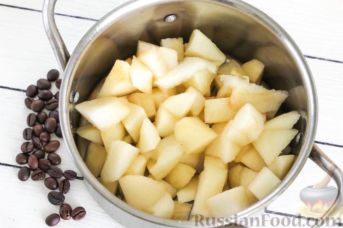 Фото приготовления рецепта: Грушевый конфитюр с кофе - шаг №2