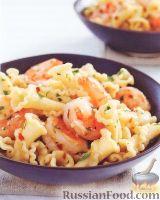 Фото к рецепту: Макароны с креветками и фетой