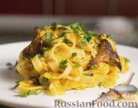 Фото к рецепту: Вегетарианская паста с грибами и тыквенным соусом