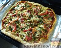 Фото к рецепту: Пицца с сосисками, грибами и овощами