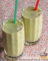 Фото к рецепту: Зимний смузи из яблока, банана и киви